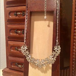 Jewelry - Flowers Necklace🌼